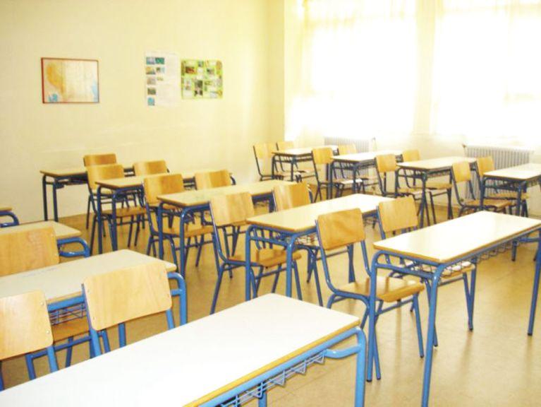 10/4/2020.Παράταση απαγόρευσης λειτουργίας εκπαιδευτικών δομών,καθώς και κάλυψη της ύλης μέσω τηλεκπαίδευσης.